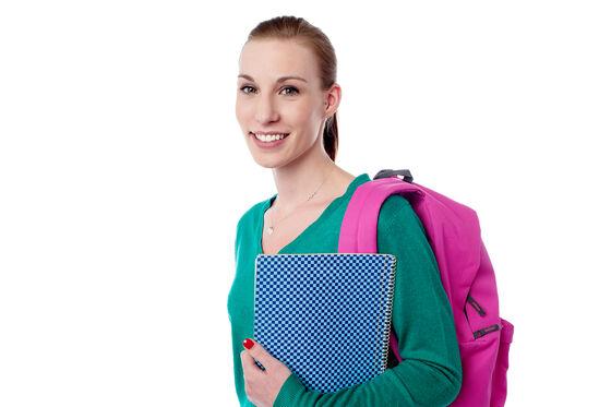 Bilde av student med skolesekk