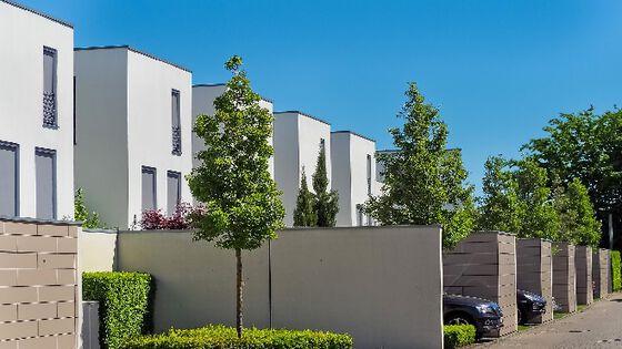 Bildet kan inneholde: boligområde, eiendom, arkitektur, hus, bygning.