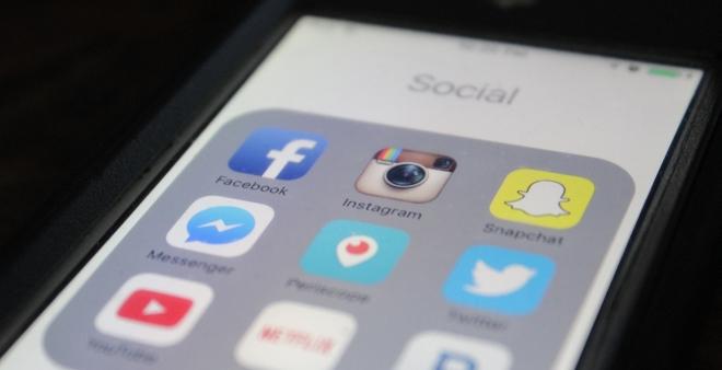 f0c4a5e7 Forskningen viser at ungdom som bruker sosiale medier, gjerne ønsker å  fremstå som sosialt attraktive. Foto: pixabay.com